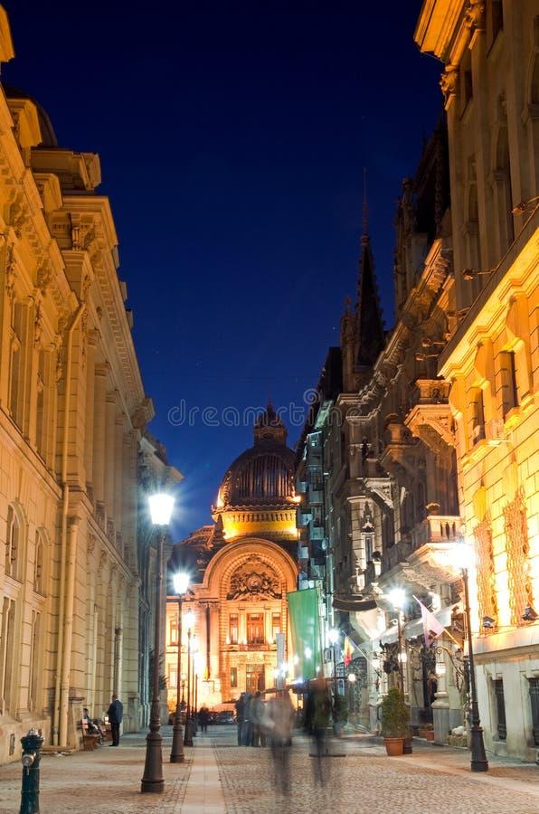 Βουκουρέστι τή νύχτα - το ιστορικό κέντρο στοκ εικόνα