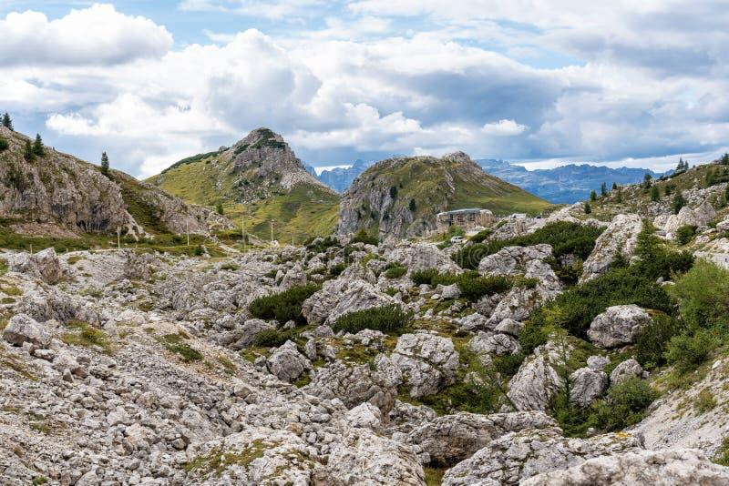 """Βουνά δολομιτών, Passo Valparola, Cortina δ """"Ampezzo, Ιταλία στοκ φωτογραφίες"""