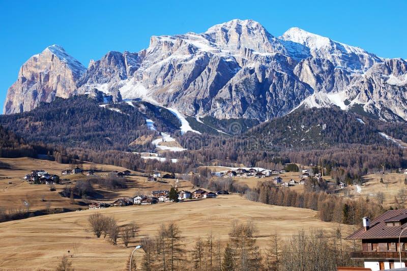 """Βουνά δ """"Ampezzo Cortina στο φως της ημέρας στοκ φωτογραφία με δικαίωμα ελεύθερης χρήσης"""