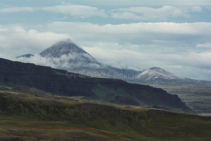 βουνά καπνώδη στοκ φωτογραφία με δικαίωμα ελεύθερης χρήσης