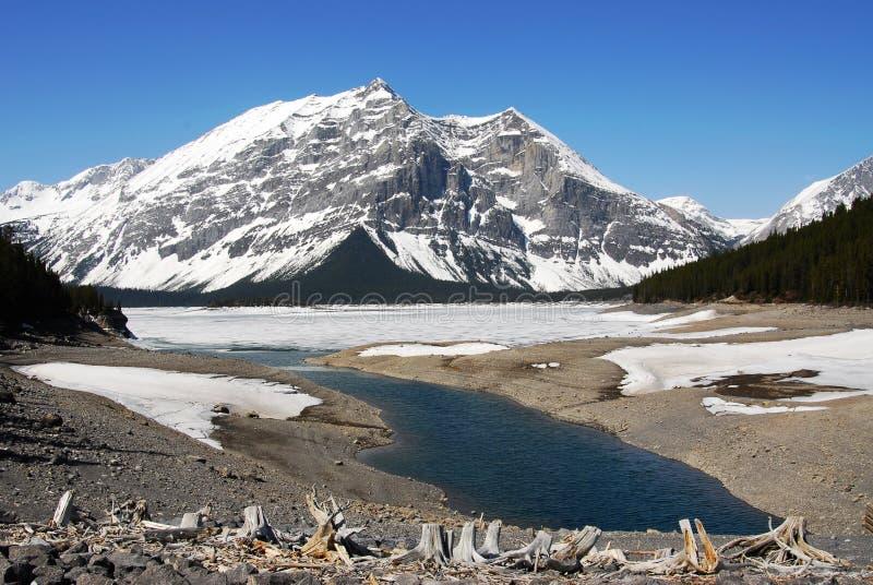 βουνά λιμνών kananaskis δύσκολα στοκ εικόνες