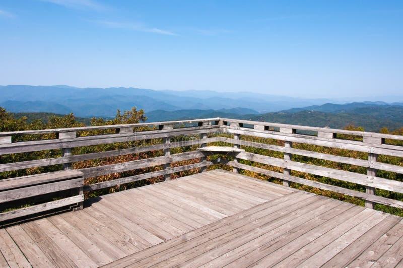 Βουνά, μπλε ουρανός, εθνικό δρυμός Chattahoochee στοκ φωτογραφίες με δικαίωμα ελεύθερης χρήσης