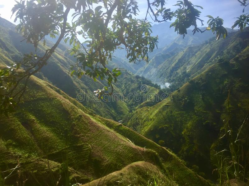 Βουνά πέρα από τα βουνά στοκ εικόνες