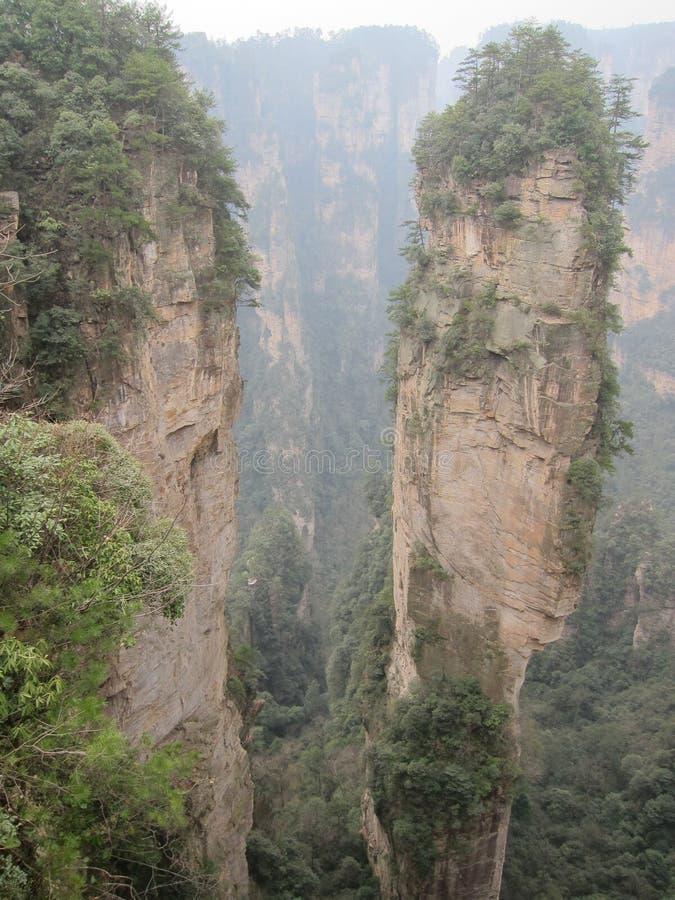 Βουνά σε Zhanjiajie στοκ εικόνες