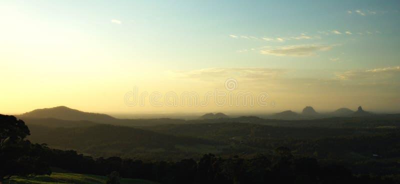βουνά σπιτιών γυαλιού στοκ φωτογραφία με δικαίωμα ελεύθερης χρήσης