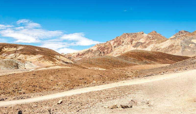 Βουνά στην κοιλάδα θανάτου στοκ εικόνα με δικαίωμα ελεύθερης χρήσης