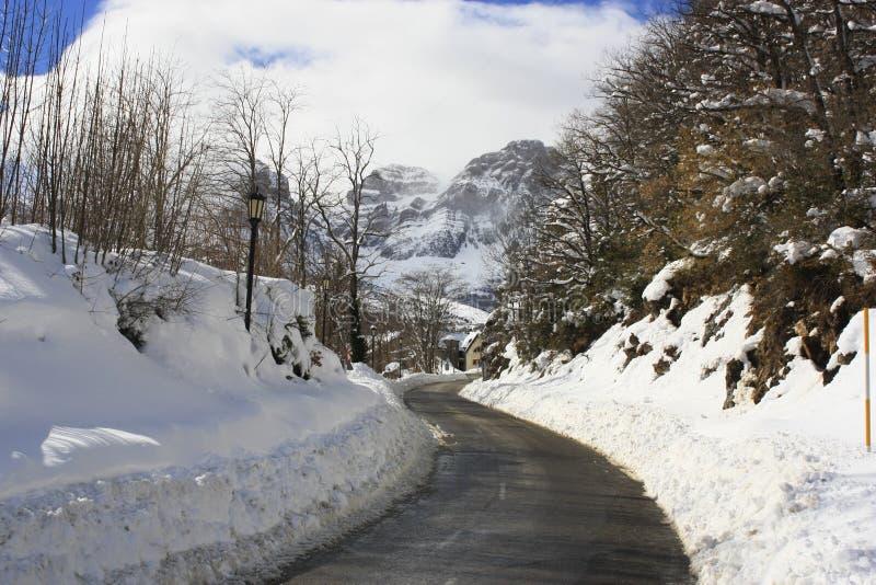 Βουνά στην κοιλάδα Tena, Πυρηναία στοκ φωτογραφία
