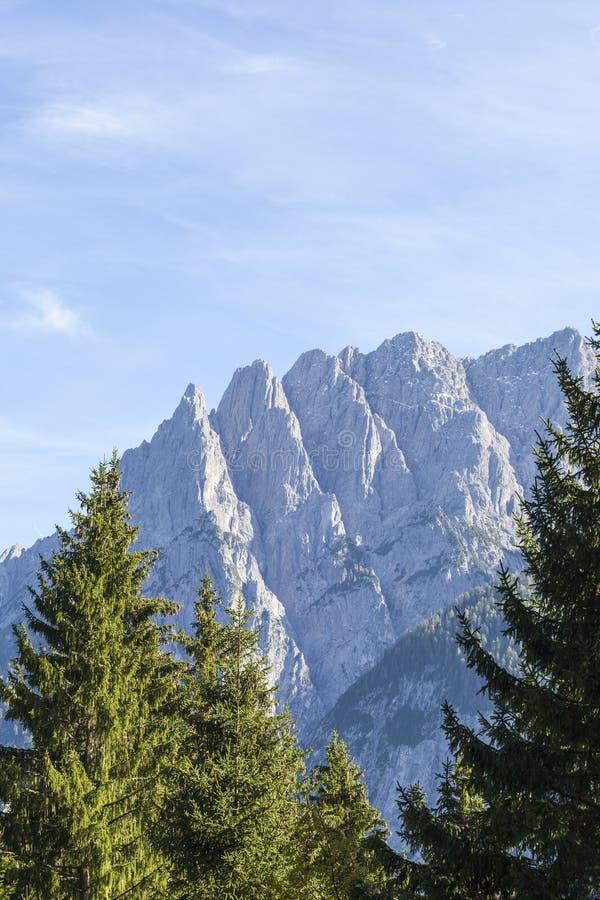 βουνά στην όψη στοκ εικόνα