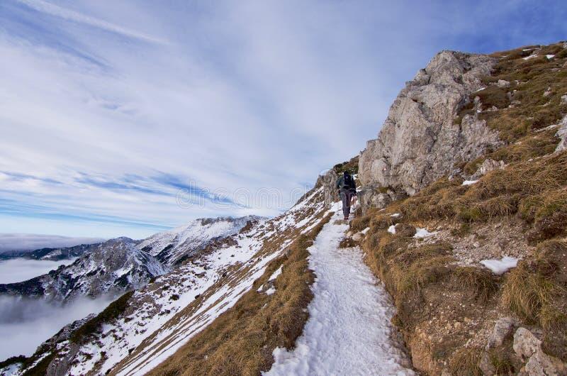 Βουνά στο χιόνι στοκ φωτογραφία με δικαίωμα ελεύθερης χρήσης