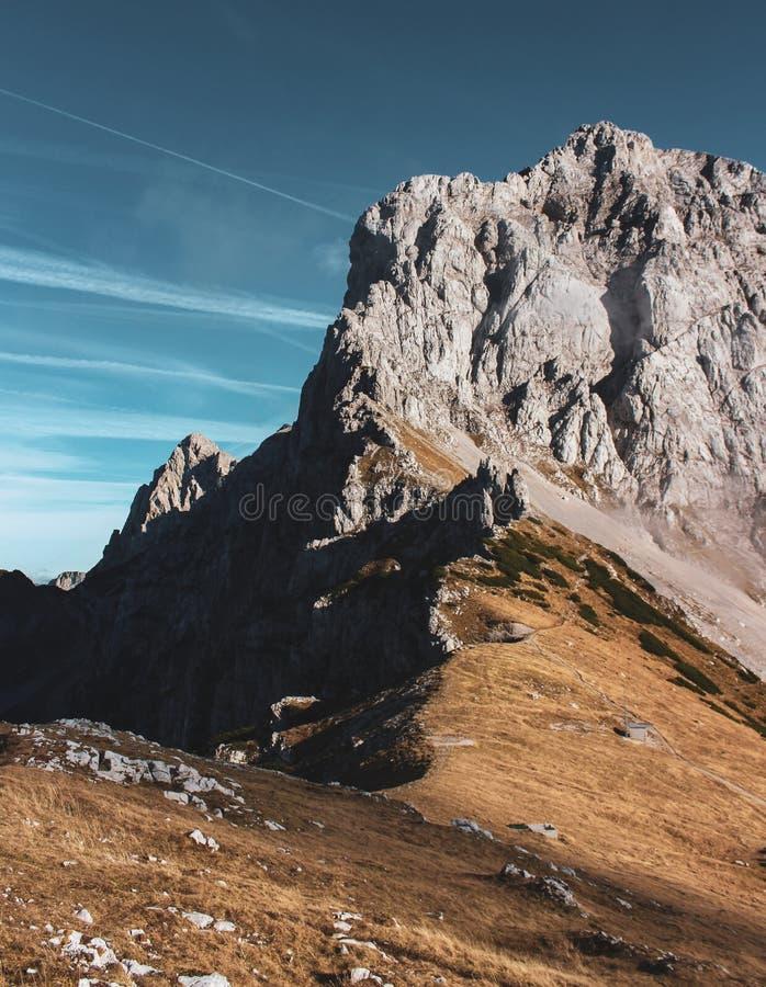 Βουνά της Σλοβενίας που παίρνουν την καρδιά σας στοκ φωτογραφία