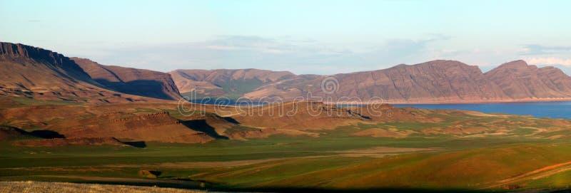 Βουνά δυτικού Sayany και ποταμός Enisey στοκ εικόνα με δικαίωμα ελεύθερης χρήσης