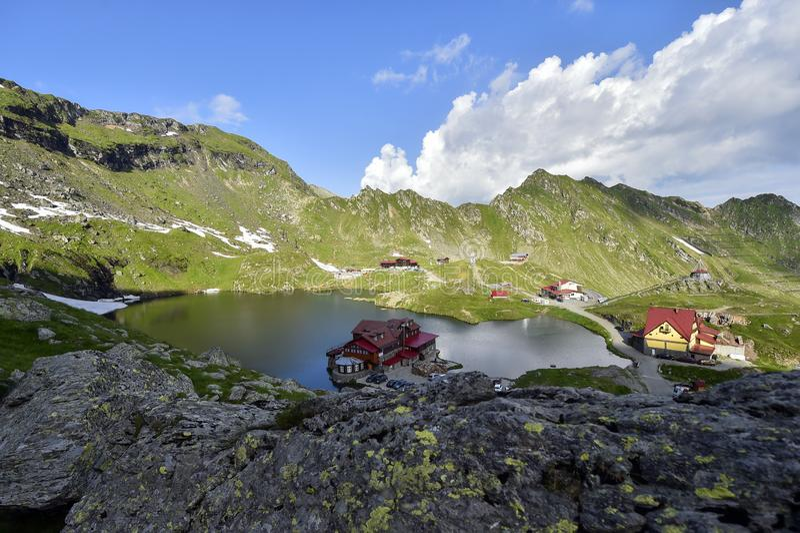 Βουνά Fagaras και λίμνη παγετώνων Balea στη Ρουμανία στοκ φωτογραφίες
