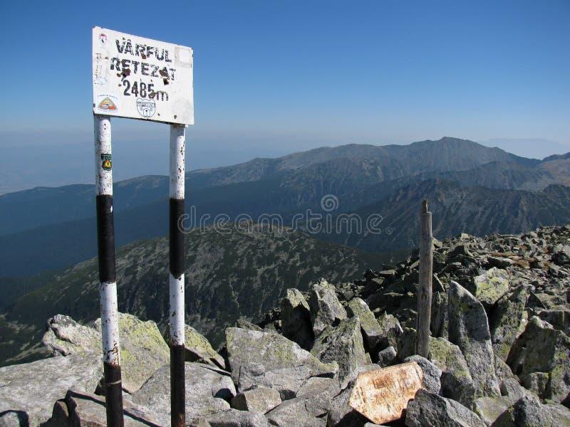 Βουνά Retezat στη Ρουμανία - ο μέγιστος δείκτης Retezat στοκ φωτογραφία με δικαίωμα ελεύθερης χρήσης