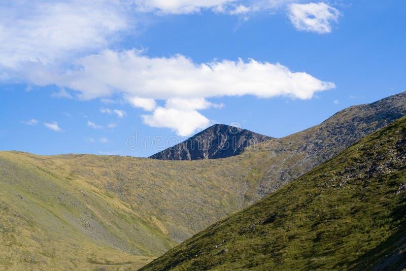 Βουνά Sayan στοκ φωτογραφίες με δικαίωμα ελεύθερης χρήσης