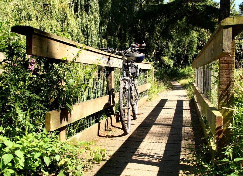 βουνό ποδιών γεφυρών ποδηλάτων στοκ εικόνα με δικαίωμα ελεύθερης χρήσης