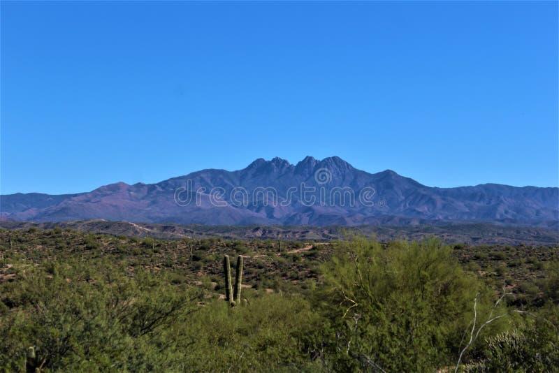 Βουνό τεσσάρων αιχμών μέσα, εθνικό δρυμός Tonto, Αριζόνα, Ηνωμένες Πολιτείες στοκ φωτογραφία