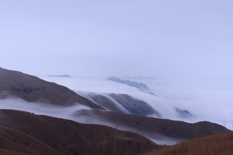 Βουνό της Κίνας WuGong στοκ φωτογραφίες