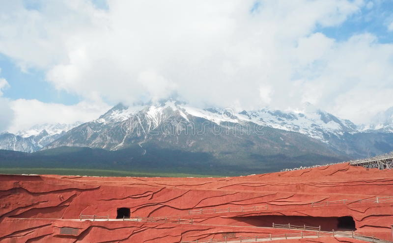 Βουνό χιονιού δράκων νεφριτών στοκ φωτογραφία