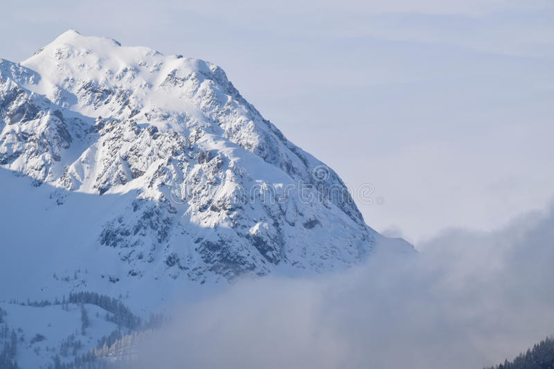 Βουνό χιονιού στην Αυστρία στοκ εικόνα