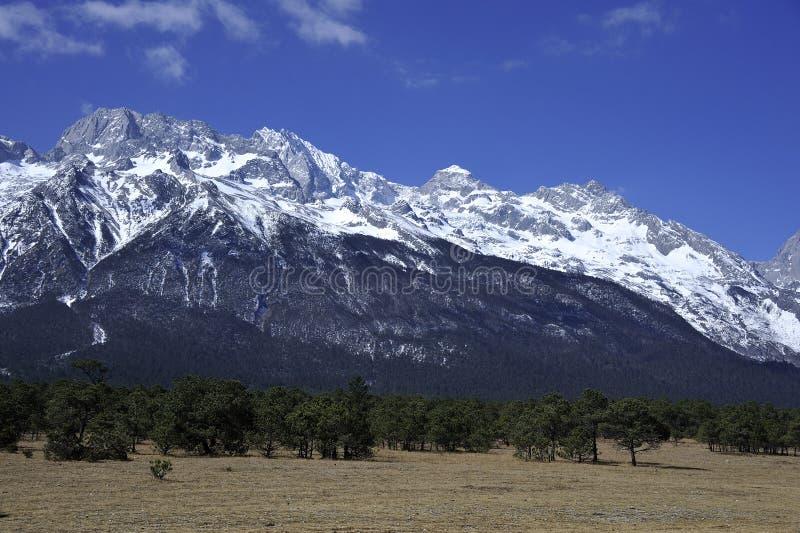Βουνό χιονιού στοκ φωτογραφίες με δικαίωμα ελεύθερης χρήσης
