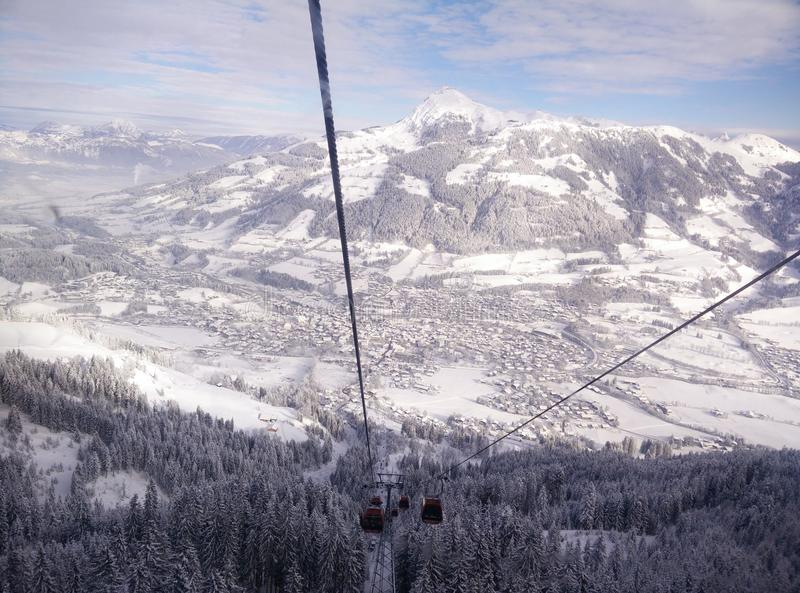 βουνό χιονώδες στοκ φωτογραφία με δικαίωμα ελεύθερης χρήσης