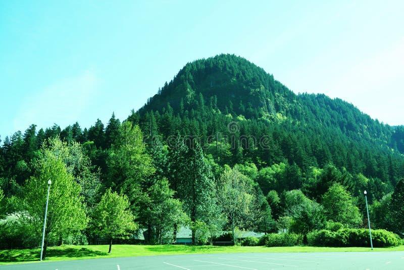 Βουνό στοκ εικόνα με δικαίωμα ελεύθερης χρήσης