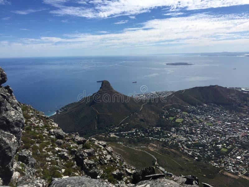 Download Βουνό εκδοτική εικόνα. εικόνα από ουρανοί, όψη, ωκεανός - 62716210