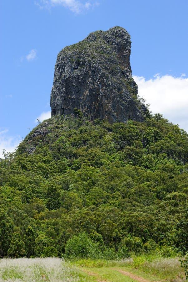 Βουνό Coonowrin στην περιοχή βουνών σπιτιών γυαλιού στο Queensland στοκ φωτογραφία με δικαίωμα ελεύθερης χρήσης