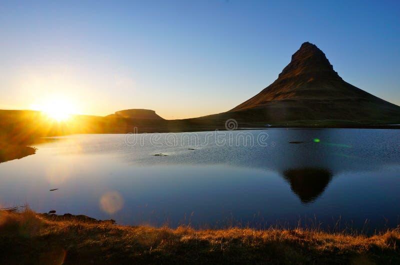 Βουνό Kirkjufell στην Ισλανδία στοκ εικόνες με δικαίωμα ελεύθερης χρήσης