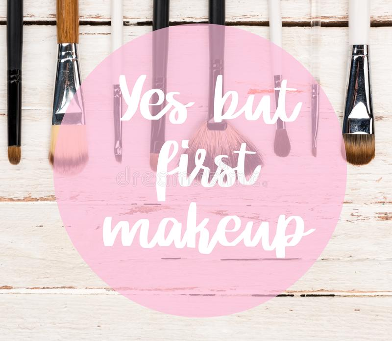 βουρτσίζει makeup διάφορο στοκ εικόνα με δικαίωμα ελεύθερης χρήσης