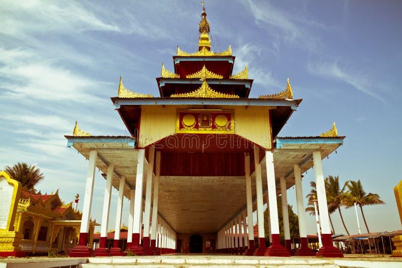 Βουδιστικός ναός στη λίμνη Inle, το Μιανμάρ στοκ εικόνα