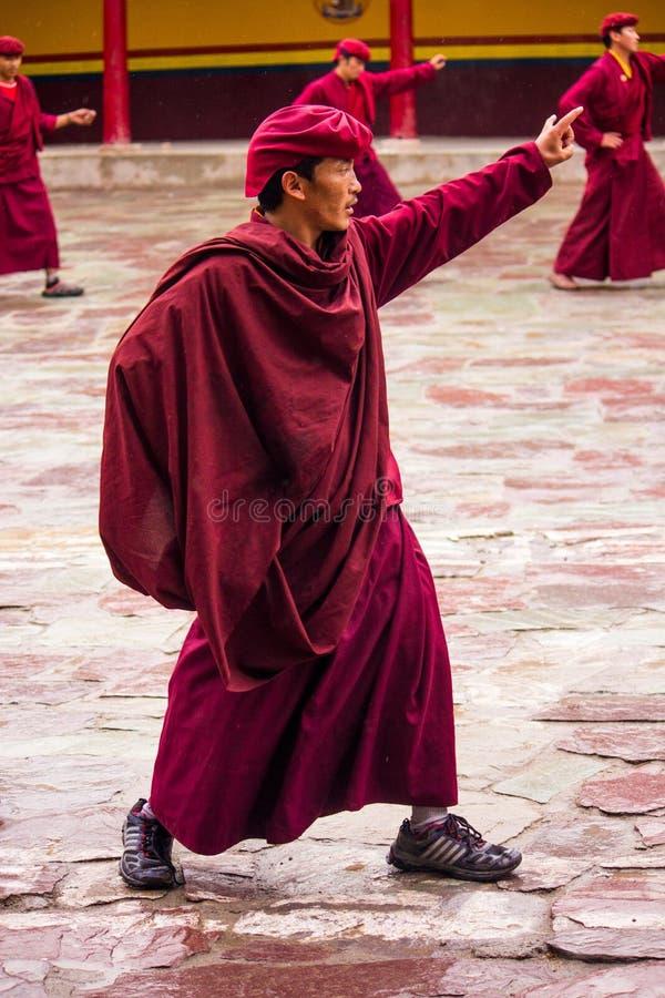 Βουδιστικός χορός μοναχών στοκ εικόνες