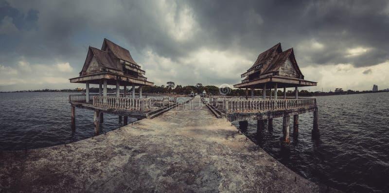 Βουδιστικό σχολείο Jittapawan - Ταϊλάνδη στοκ φωτογραφίες