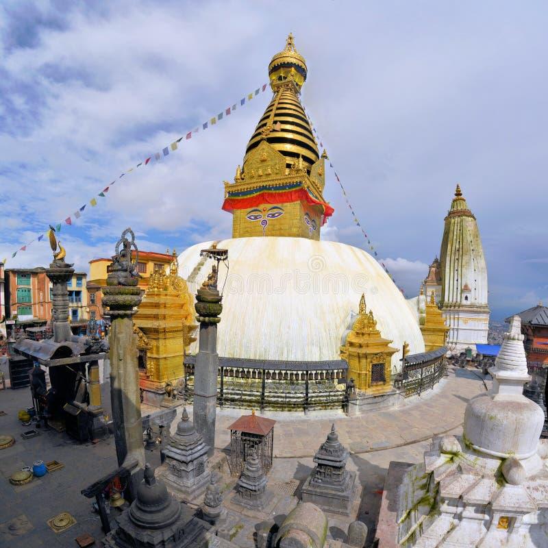 Βουδιστικό stupa ναών πιθήκων στο Κατμαντού στοκ φωτογραφίες με δικαίωμα ελεύθερης χρήσης