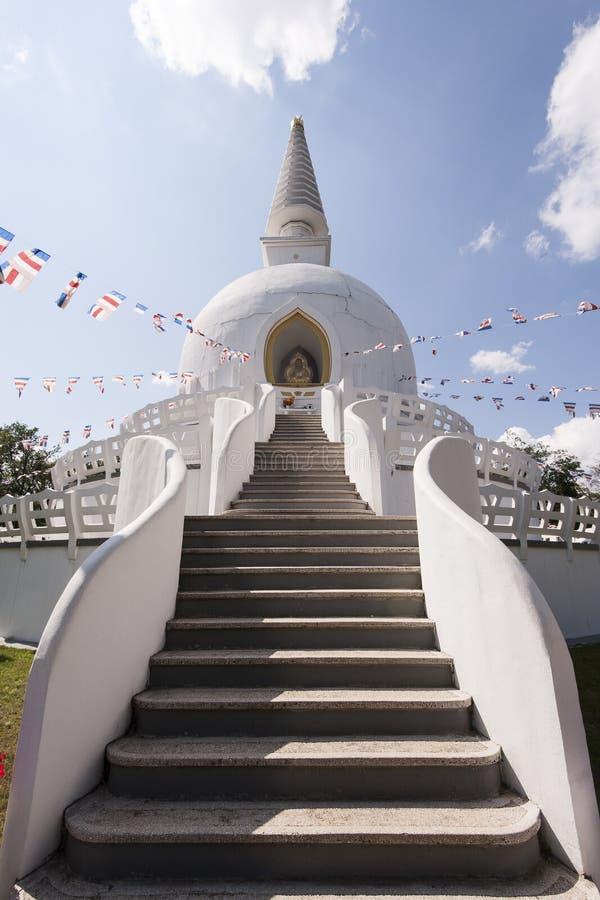 Βουδιστικό Stupa στοκ εικόνα με δικαίωμα ελεύθερης χρήσης