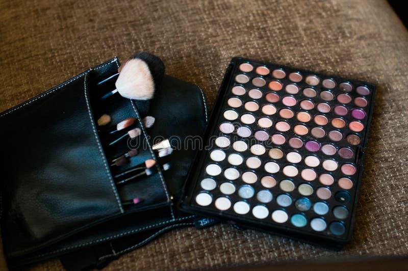Βούρτσες και σκιές Makeup στοκ φωτογραφία