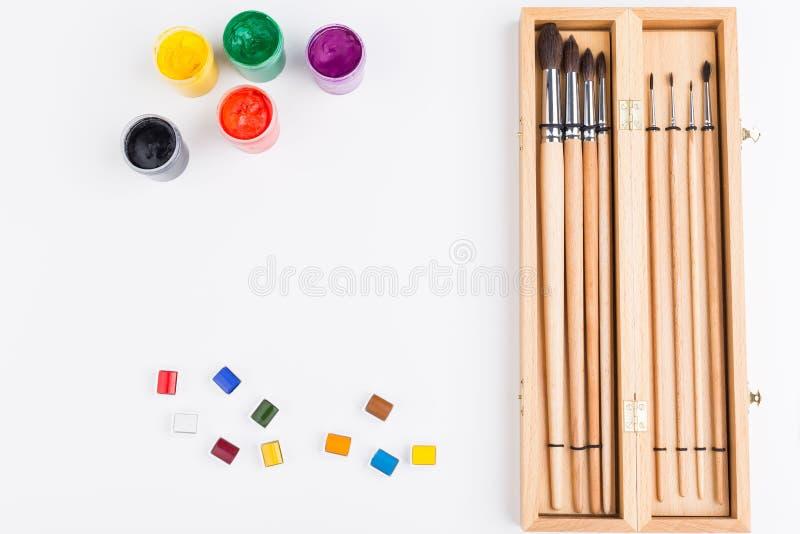 Βούρτσες και χρώμα στοκ φωτογραφία
