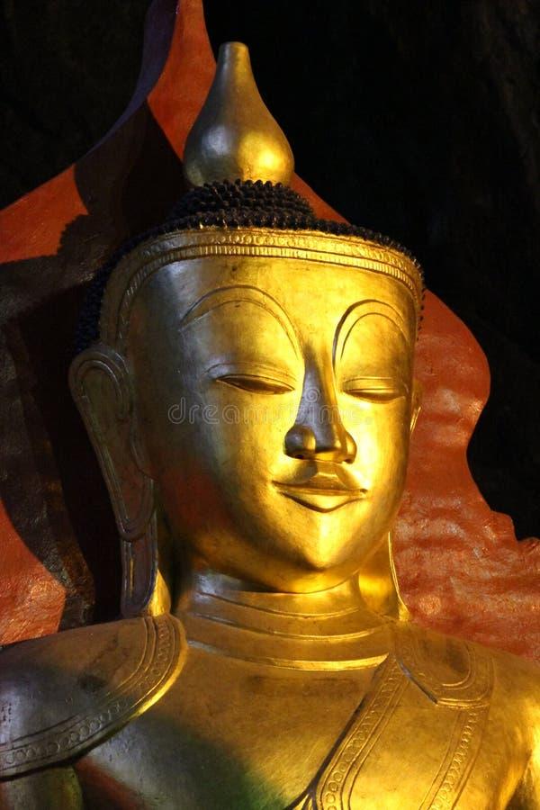 Βούδας στις σπηλιές Pindaya στοκ εικόνες