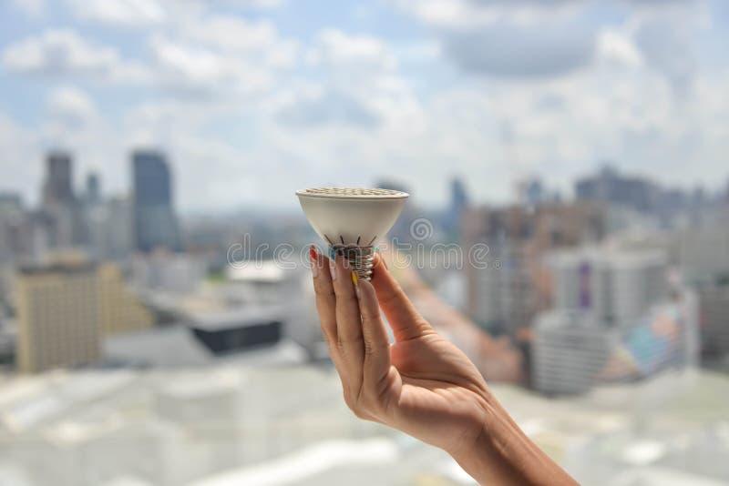 Βολβός των οδηγήσεων λαβής χεριών στοκ φωτογραφία με δικαίωμα ελεύθερης χρήσης