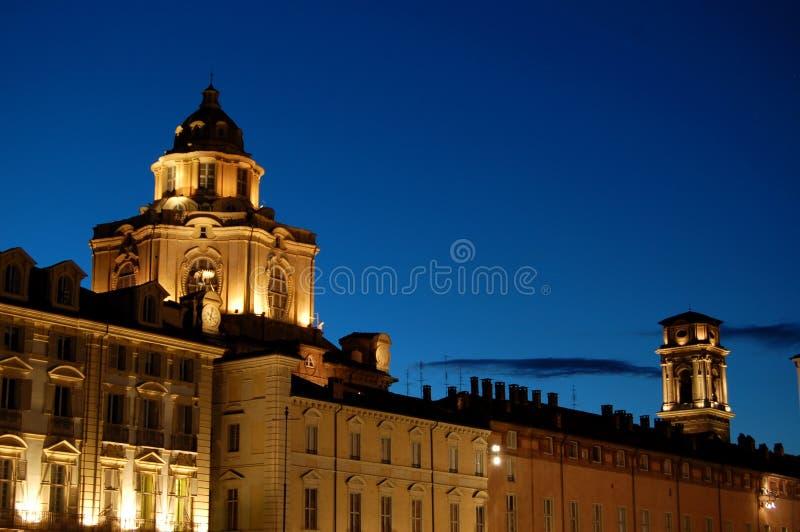 βράδυ πόλεων βασιλικό στοκ εικόνα με δικαίωμα ελεύθερης χρήσης