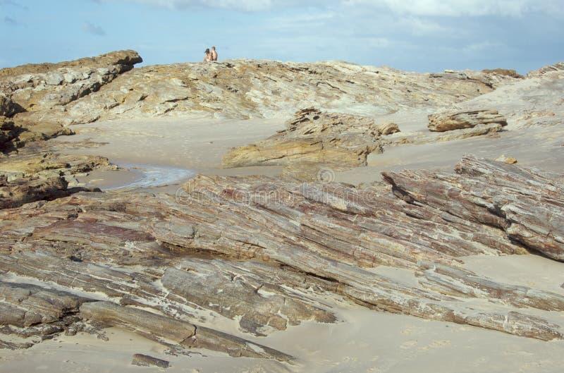 βράχοι ζευγών παραλιών στοκ φωτογραφίες με δικαίωμα ελεύθερης χρήσης