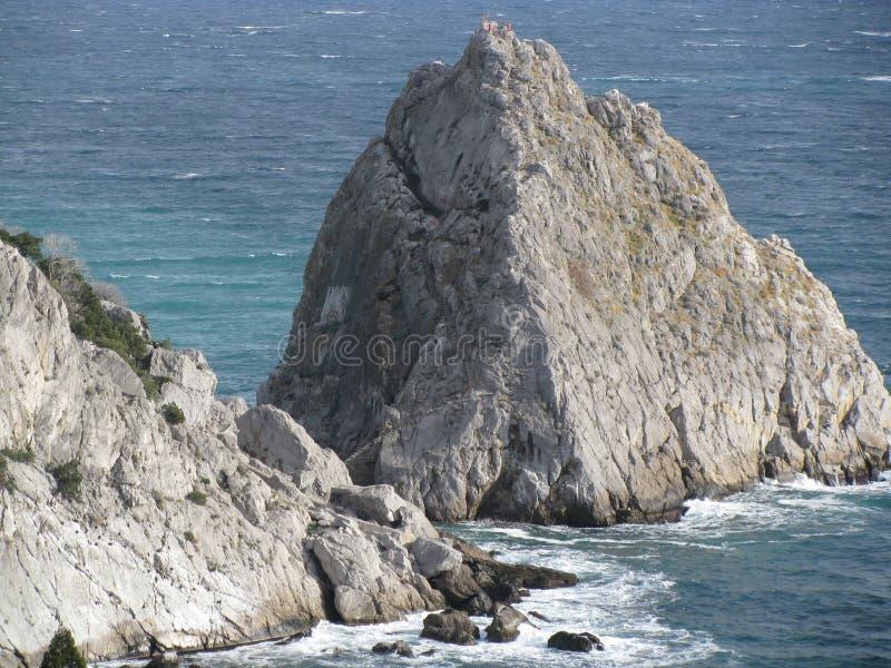 Βράχοι και η Μαύρη Θάλασσα απεικόνιση αποθεμάτων