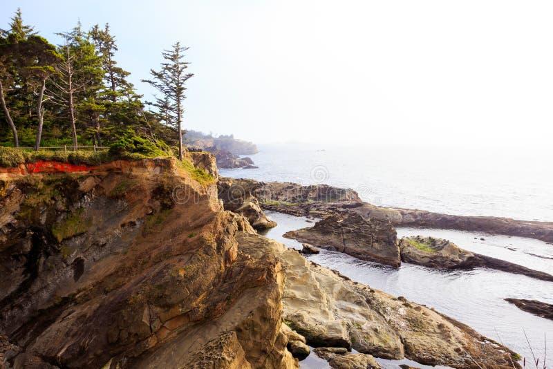 Βράχοι και ωκεανός ακτών του Όρεγκον στοκ φωτογραφία με δικαίωμα ελεύθερης χρήσης