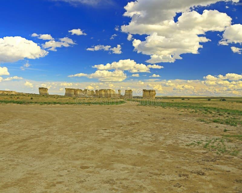 Βράχοι μνημείων στο δυτικό Κάνσας στοκ εικόνα
