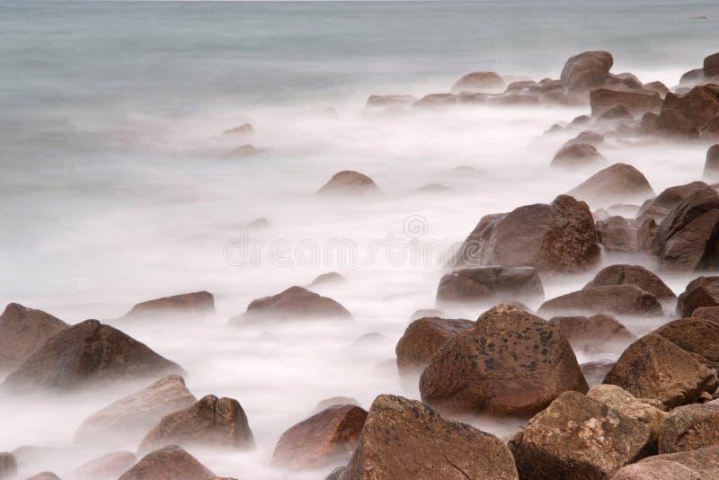 βράχοι ομίχλης στοκ εικόνες