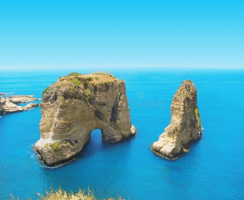 Βράχοι περιστεριών, Λίβανος, Βηρυττός στοκ εικόνες με δικαίωμα ελεύθερης χρήσης