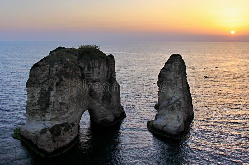 Βράχοι περιστεριών στη Βηρυττό στοκ εικόνες με δικαίωμα ελεύθερης χρήσης