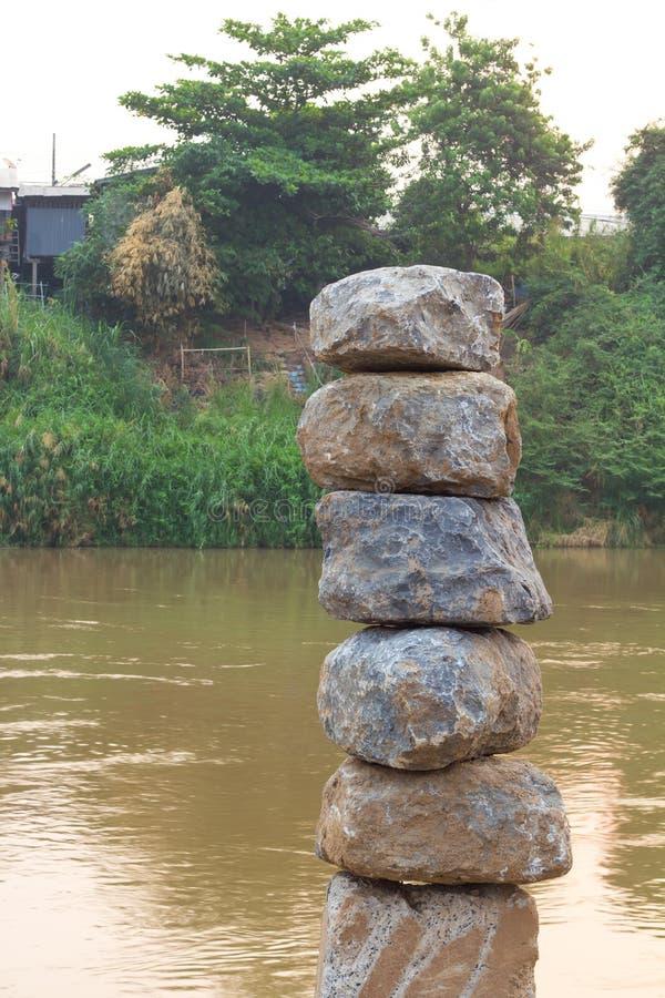 Βράχοι που συσσωρεύονται μεγάλοι στοκ εικόνες