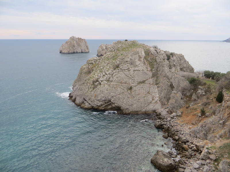 Βράχοι στη Μαύρη Θάλασσα στοκ εικόνες