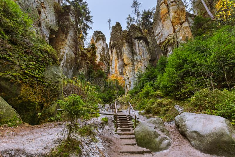 Βράχοι στο πάρκο φύσης adrspach-Teplice στα τσέχικα στοκ εικόνες